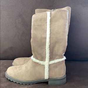 Girls suede and Sherpa lined boots